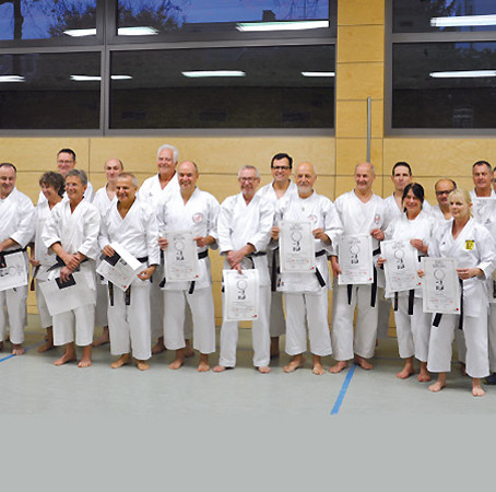 25 neue DAN-Träger im Shotokan