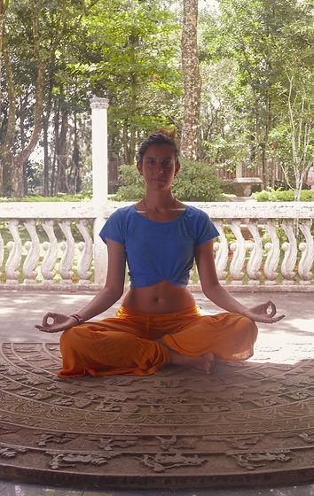 Yoga da Casa_Francesca.jpg