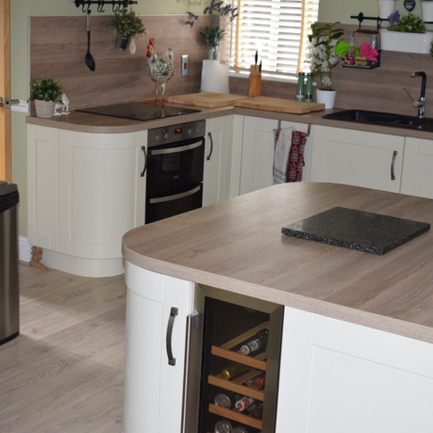 Fitted Kitchen and Flooring