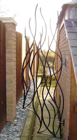 Reed gate