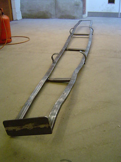 Dumbuck ladder and mount