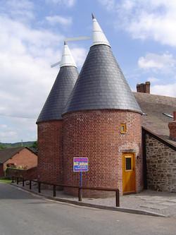Oust house / Hop kiln