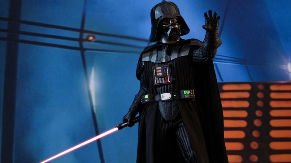 →Hot Toys《星球大戰V:帝國反擊戰》1/6 Darth Vaderm再臨