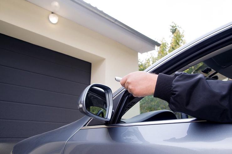 Pilot do drzwi garażowych