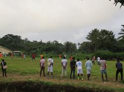 un match au village