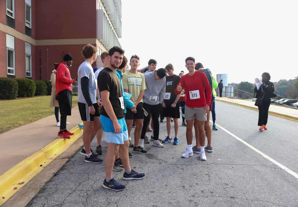 Participants lining up for the start of the race  Covenant Pulmonary Critical Care Inaugural Breathe Easy 5K Run & Walk  Saturday - November 16, 2019  Photo: VISDECO