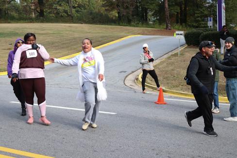 Participants heading down Norman Berry Dr  Covenant Pulmonary Critical Care Inaugural Breathe Easy 5K Run & Walk  Saturday - November 16, 2019  Photo: VISDECO