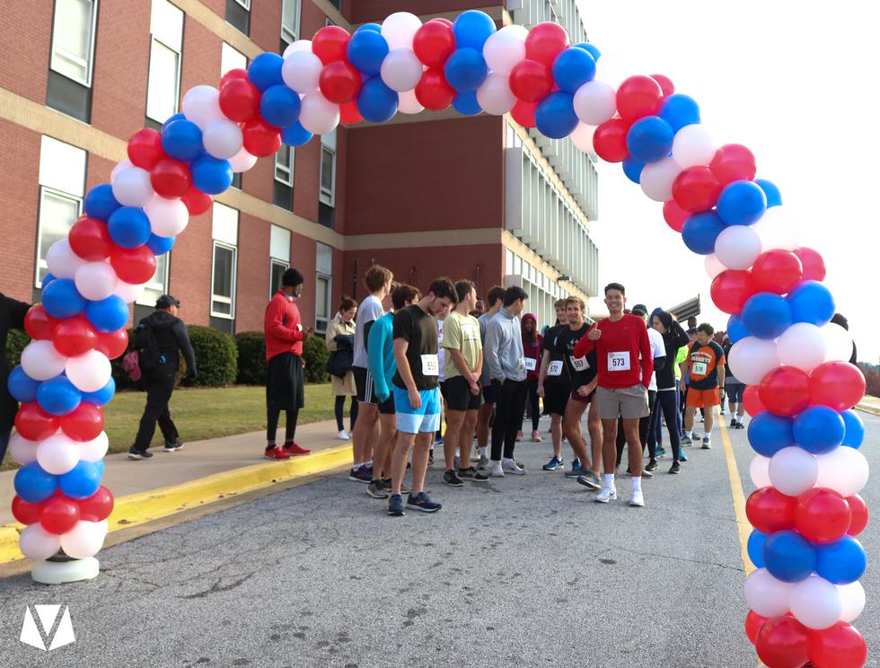 Participants preparing for the start of the race  Covenant Pulmonary Critical Care Inaugural Breathe Easy 5K Run & Walk  Saturday - November 16, 2019  Photo: VISDECO