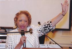 Pastor Mary_0003