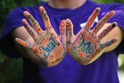 hands-423794__180 (1).webp