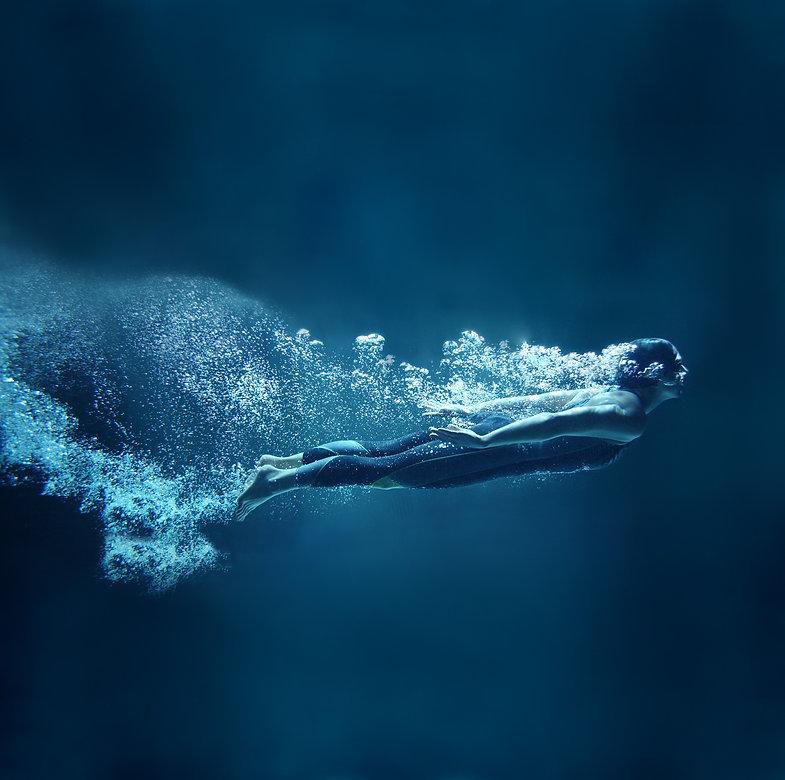 Underwater%20Dive_edited.jpg