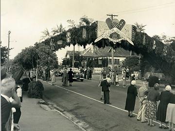 lurline street katoomba 1954 Royal Tour Queen Elizabeth II visits katomba