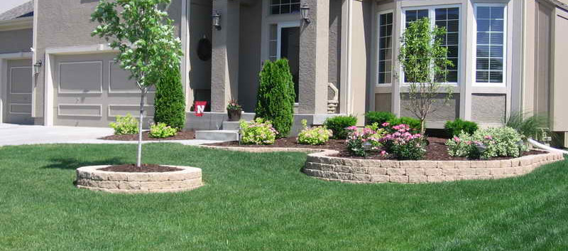 Simple-Front-of-House-Landscaping-Ideas.