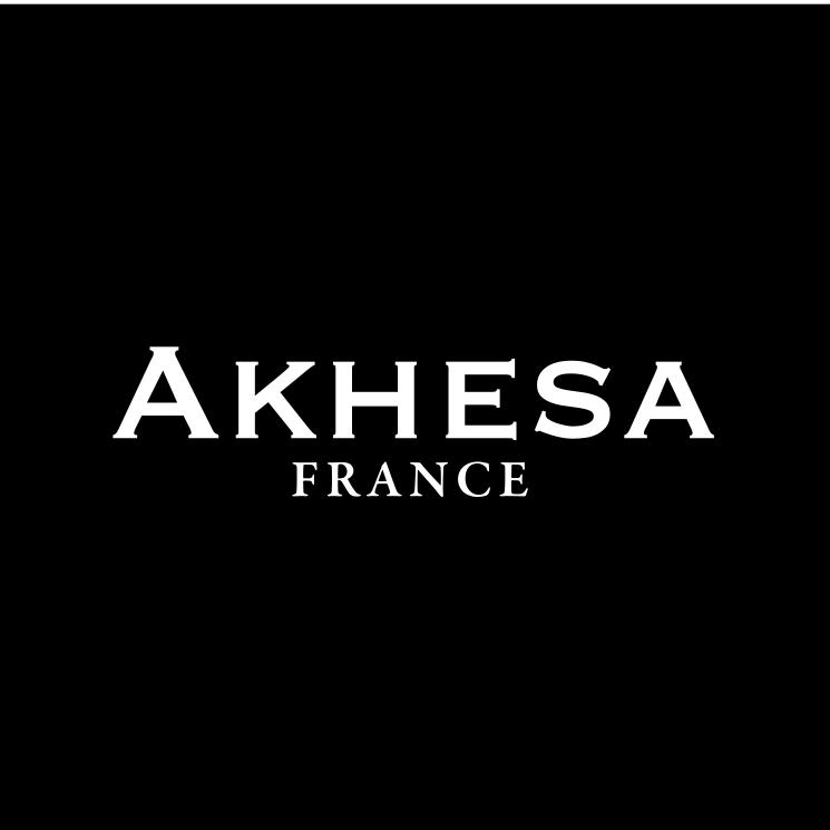 Akhesa chez Sam Boutique