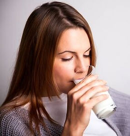 Hospitalized patient drinking metabolic recovery to get a quality sleep for faster recovery.