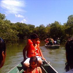 Passeio de barco na Barra Grande