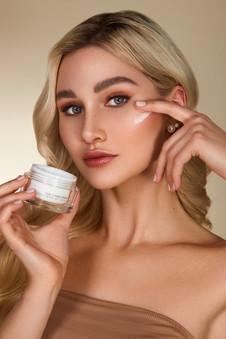 KU2_Cosmetics00988.jpg