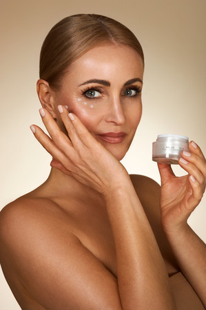 KU2_Cosmetics00555.jpg