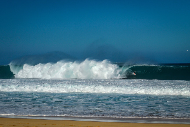 Pipeline, O'ahu, Hawaii, 2020