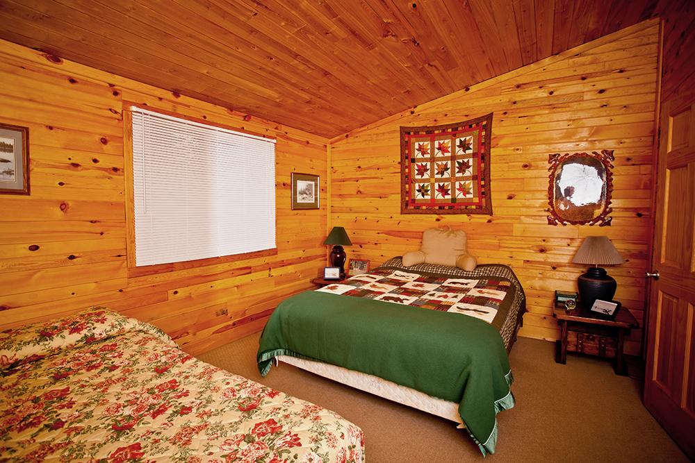 Cabin 3 bedroom 1