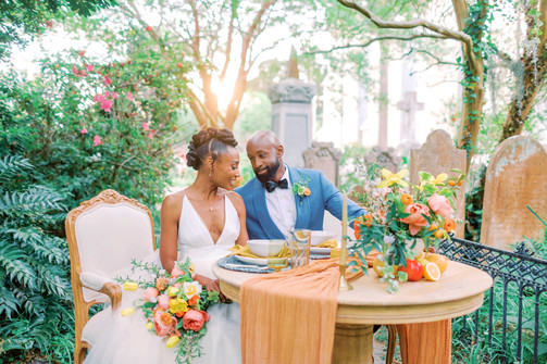 Colorful spring sweetheart table_The French Eclectic wedding rentals 2