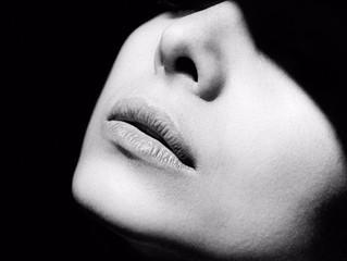 ¿Enganchado al bálsamo labial? Te contamos por qué.