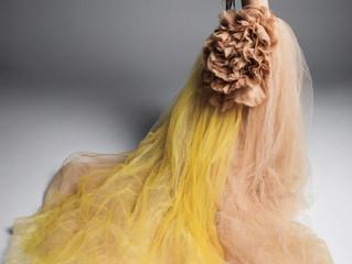 Todos los colores del arcoíris caben en tu vestido de novia.