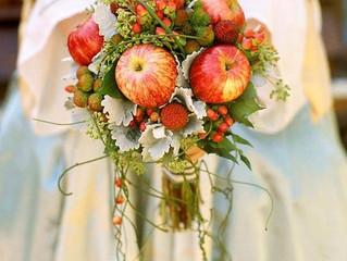 Frutas en el postre... y en el ramo de novia.
