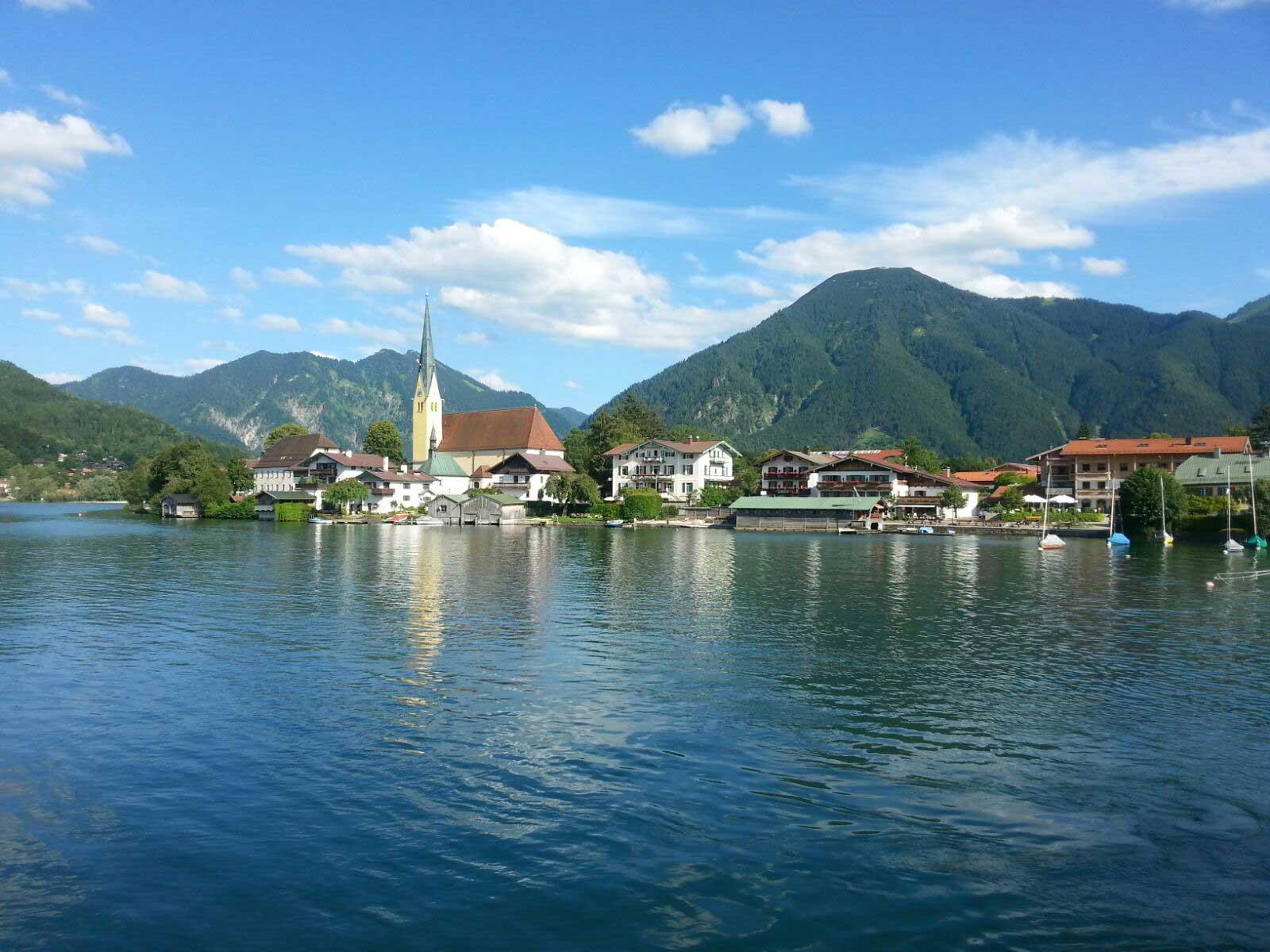 Bayerische-Alpen_Tegernsee---Rottach