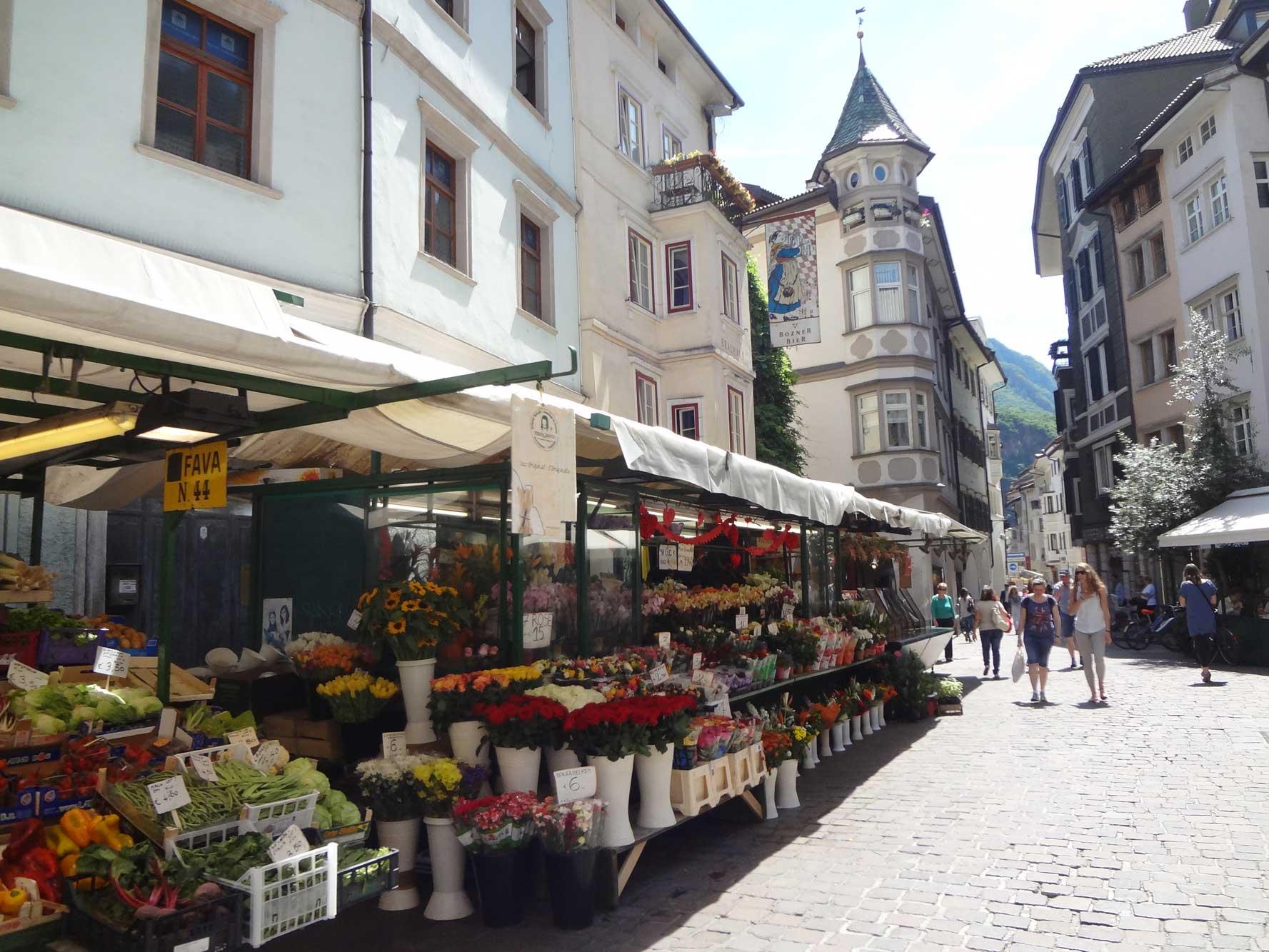 Suedtiroler_WeinAlmenweg_Bozen_Obstmarkt_1