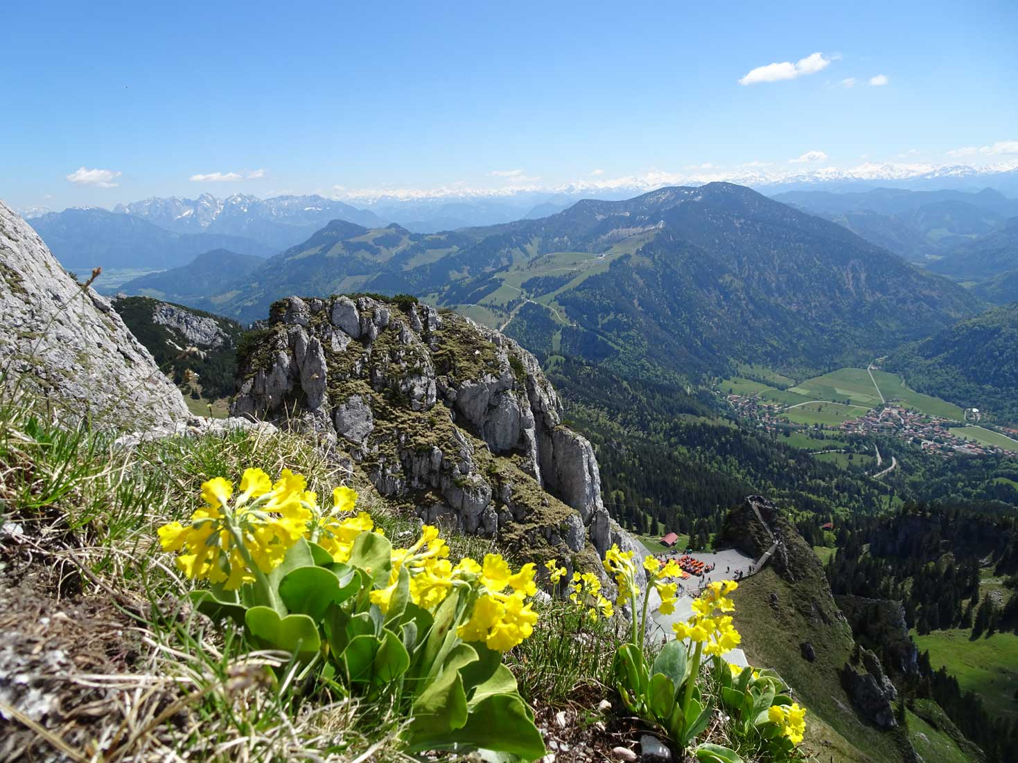 eurohike-bayerns-alpen-seen-berge-almblu