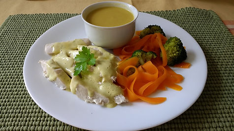 Creamy vegetable soup, steamed chicken w