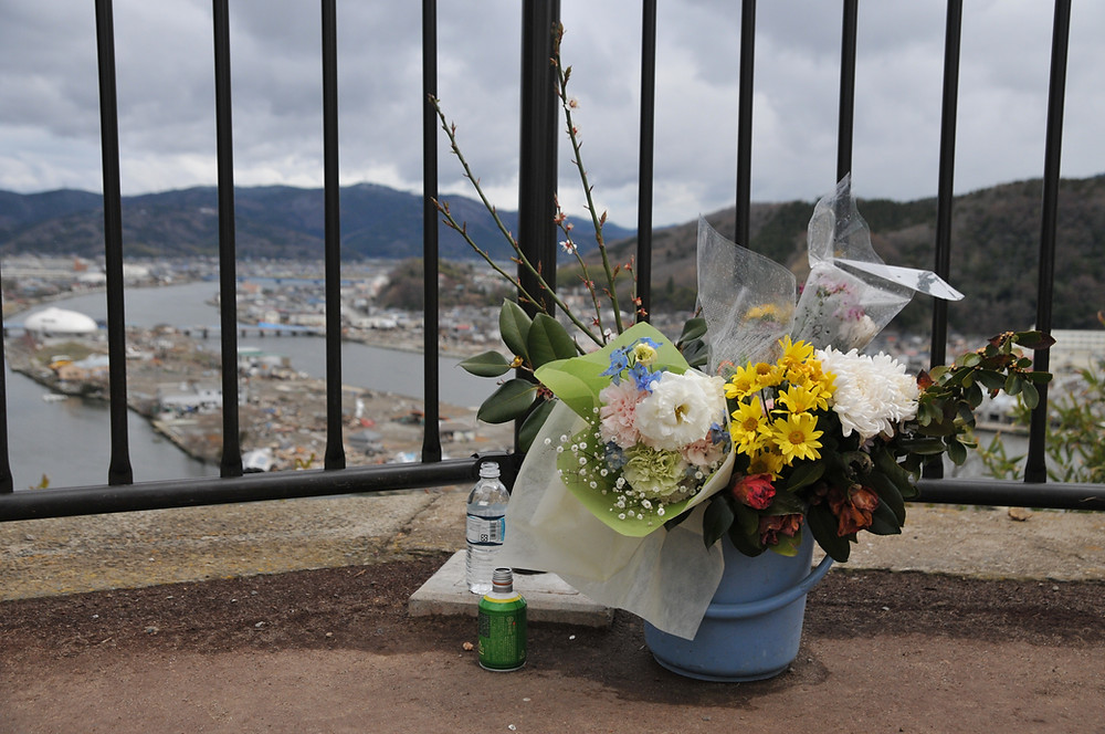 Flower offering in Ishinomaki after the tsunami