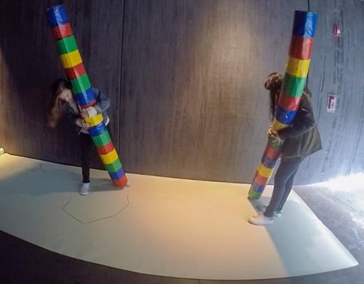 Escultura interactiva en acción