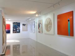 Más obras en el espacio de la exposición.