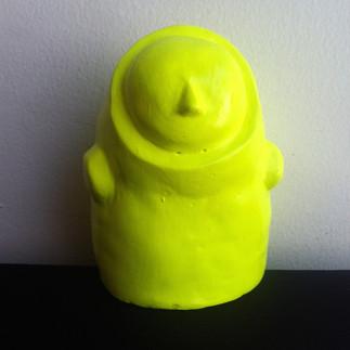 Título: Sin cara (Amarillo neón) Técnica: Moldeado en Yeso Dimensiones: 11.5x8x7.5cm Año: 2015