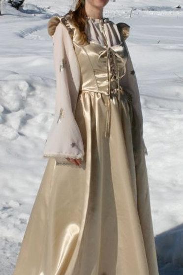 Tredelte kjoler