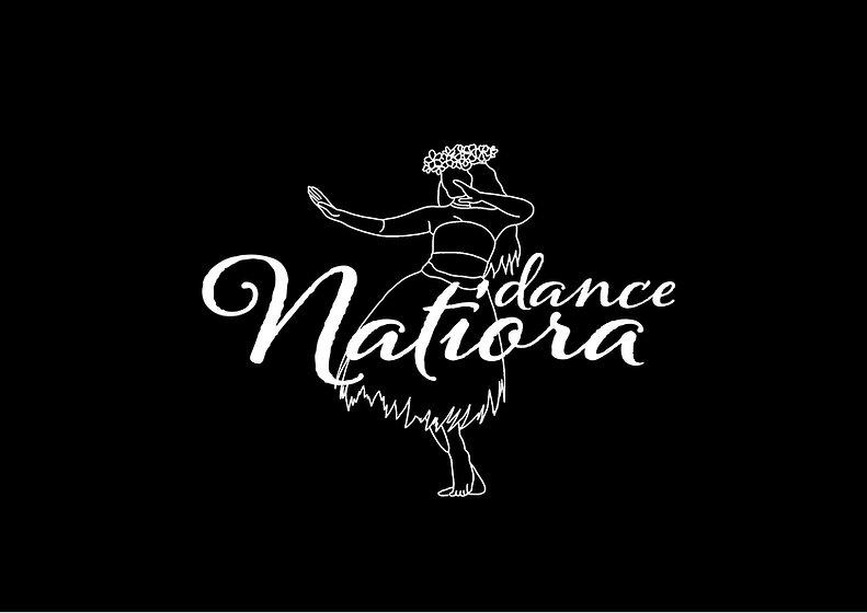 une tahitienne qui danse la danse tahitienne