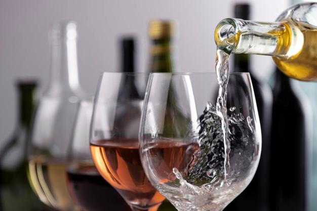 Τι συνδυασμό κρασιών να επιλέξω για το πασχαλινό μου γεύμα;