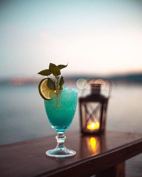 Στο εξωτερικό μπαρ του Road House Bar | pic: Instagram account