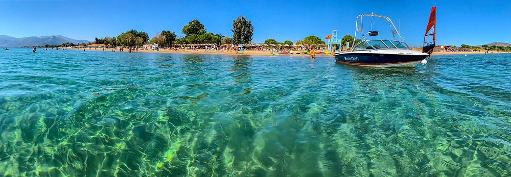 To Moraitis Beach στην Παραλία Σχινιά   Φωτ.: Margarita Savva