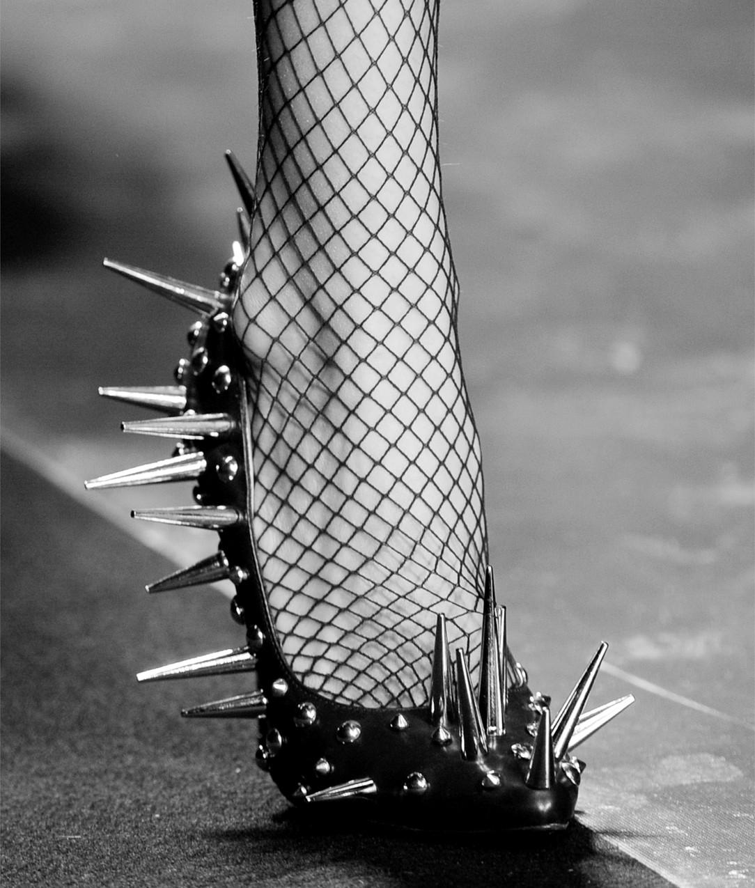 футуризм в обувной моде