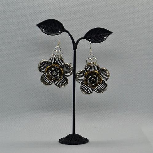 Floral Jewellery Set - 2 x Pairs of Earrings & 1 x Bracelet