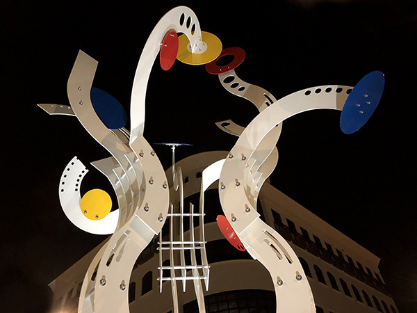 """Bravo!"" public art by Jorge Blanco"