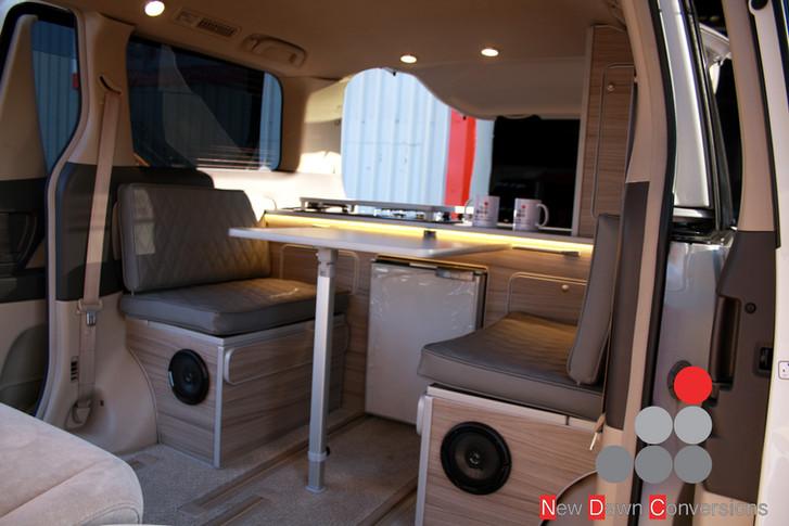 Toyota Alphard Camper  (1).jpg