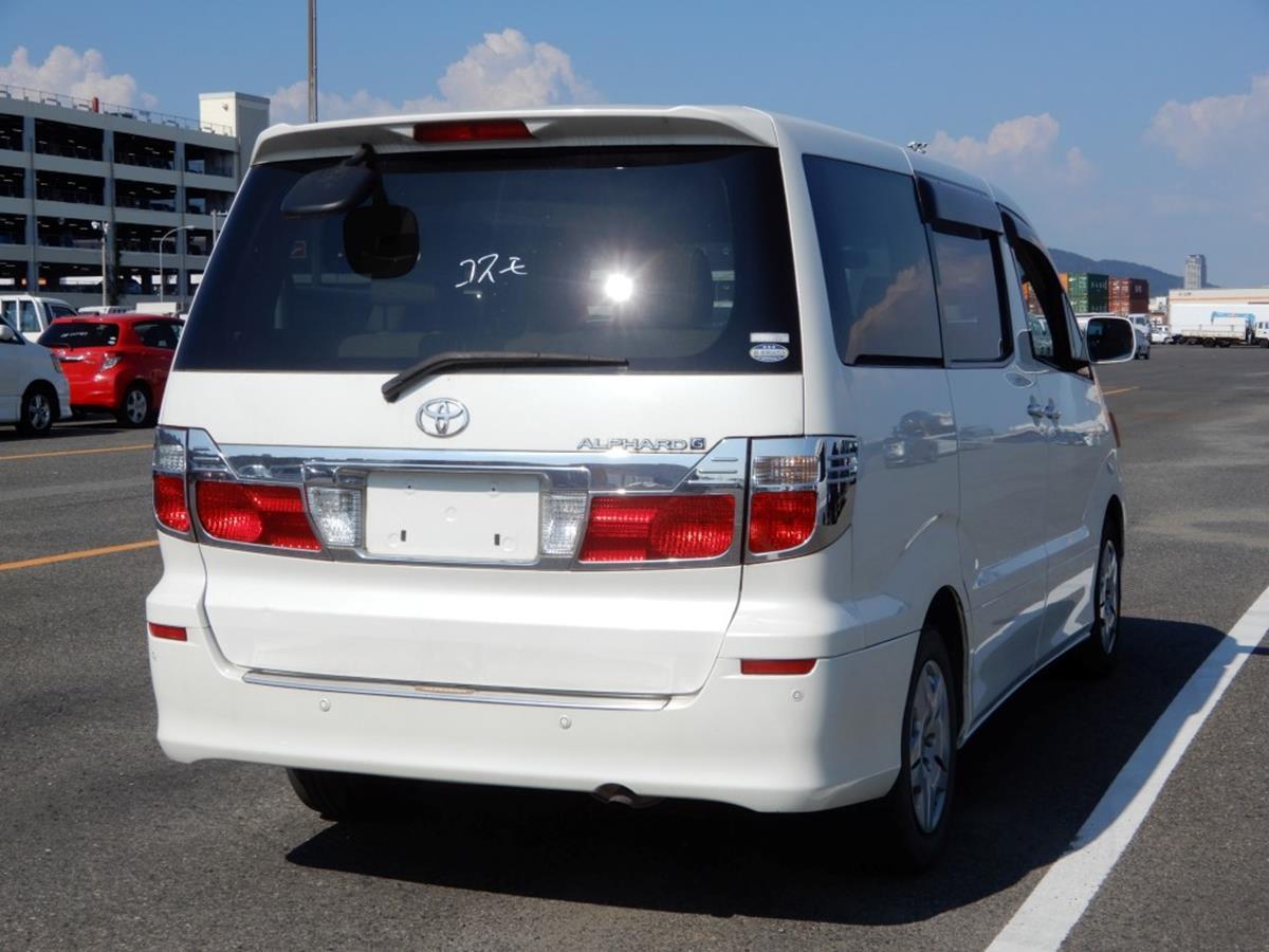 Toyota Alphard (2).jpg