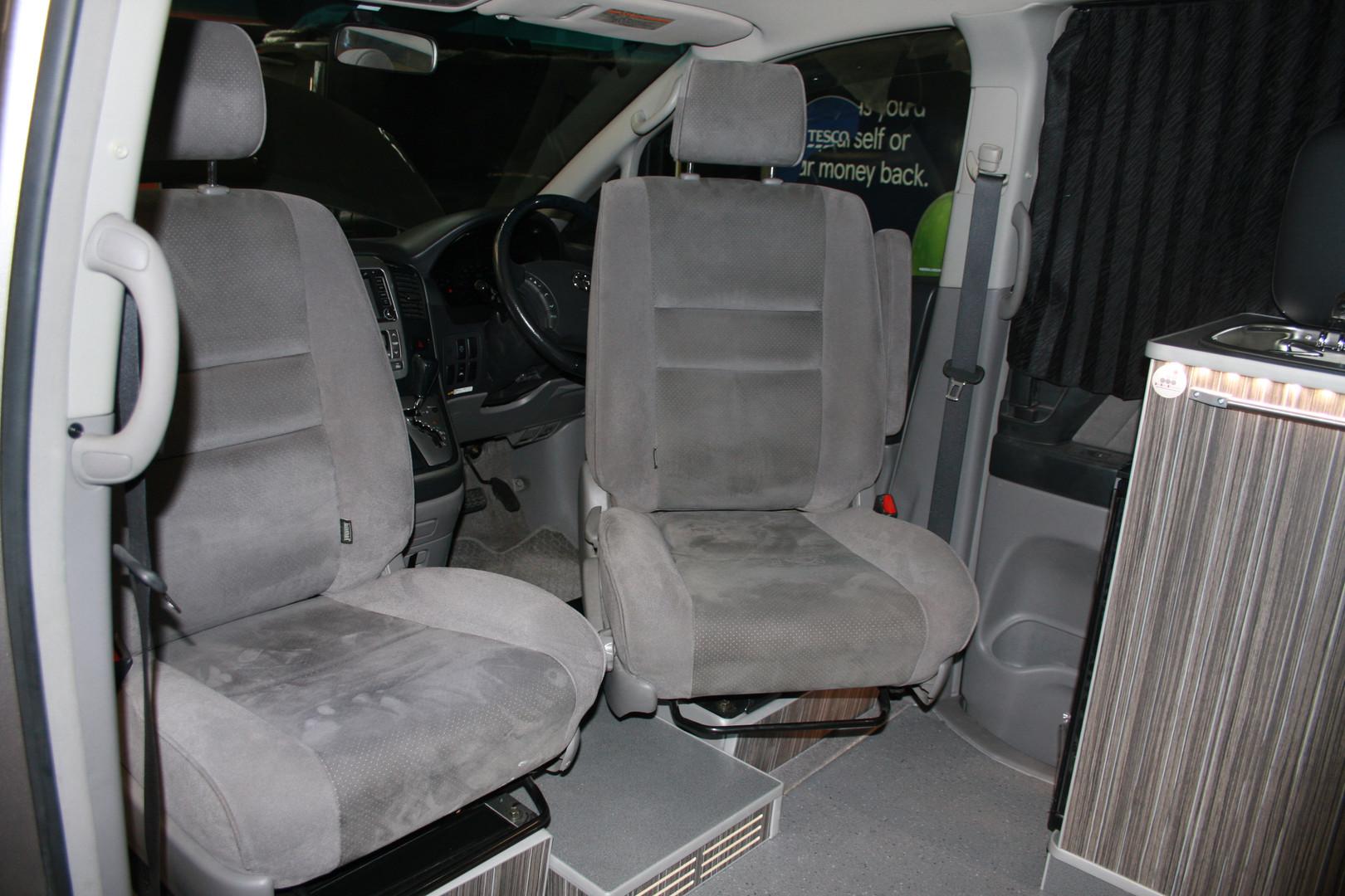 Toyota alphard camper (10).JPG