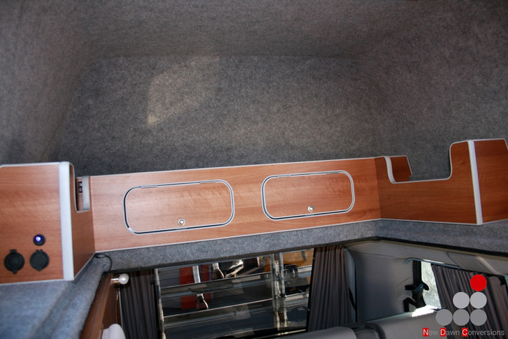 Hyundai I800 High top
