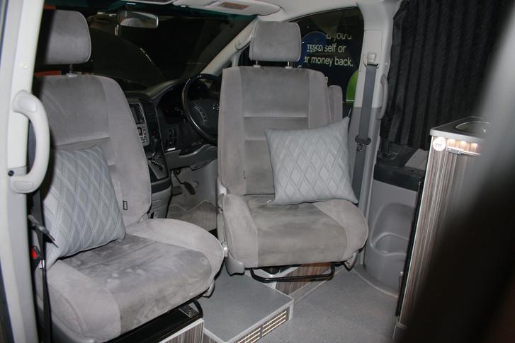 Toyota alphard camper (14).JPG