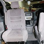 Toyota Alphard Swivel seat (3).JPG